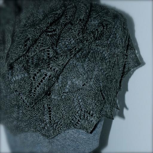 Woollenflower, Arrow scarf shawl